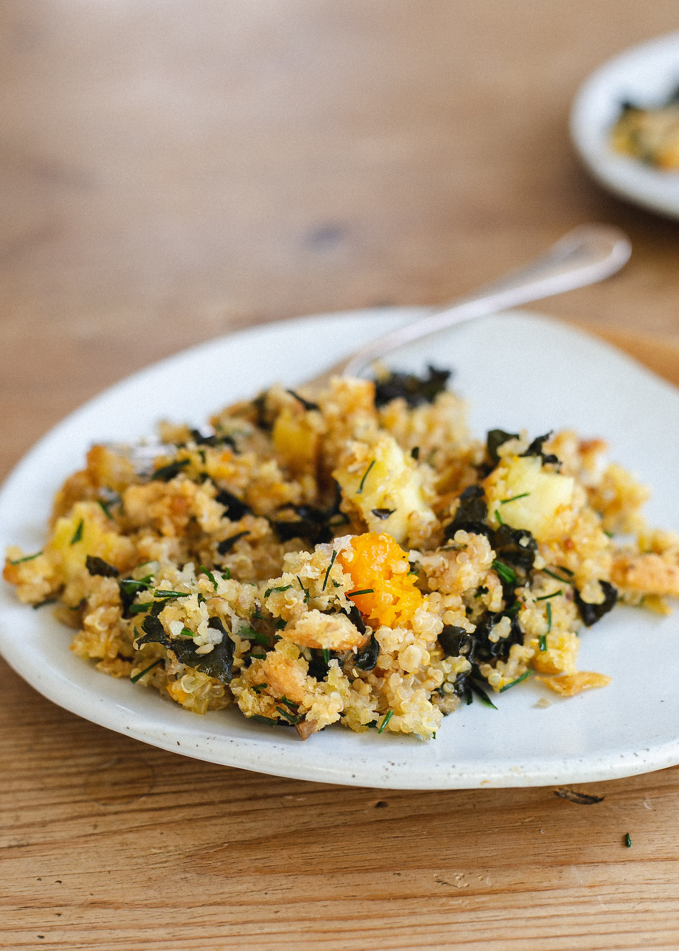 Cheesy, chive, quinoa and vegetable bake