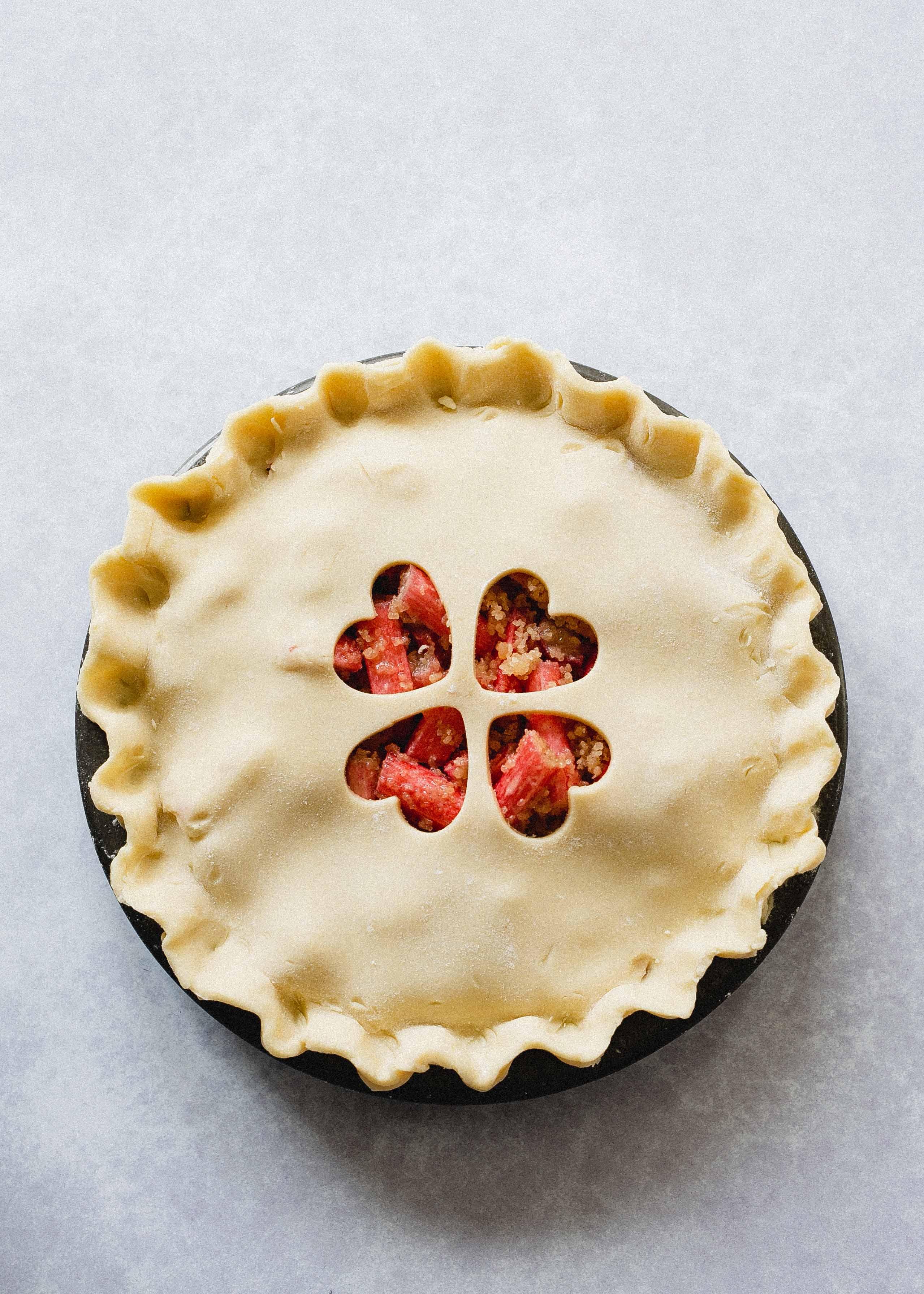Low FODMAP rhubarb pie ready for baking