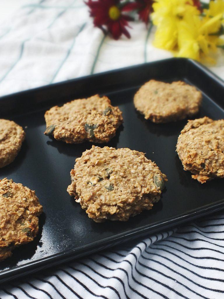 Nut butter and pumpkin seed oat low FODMAP cookies