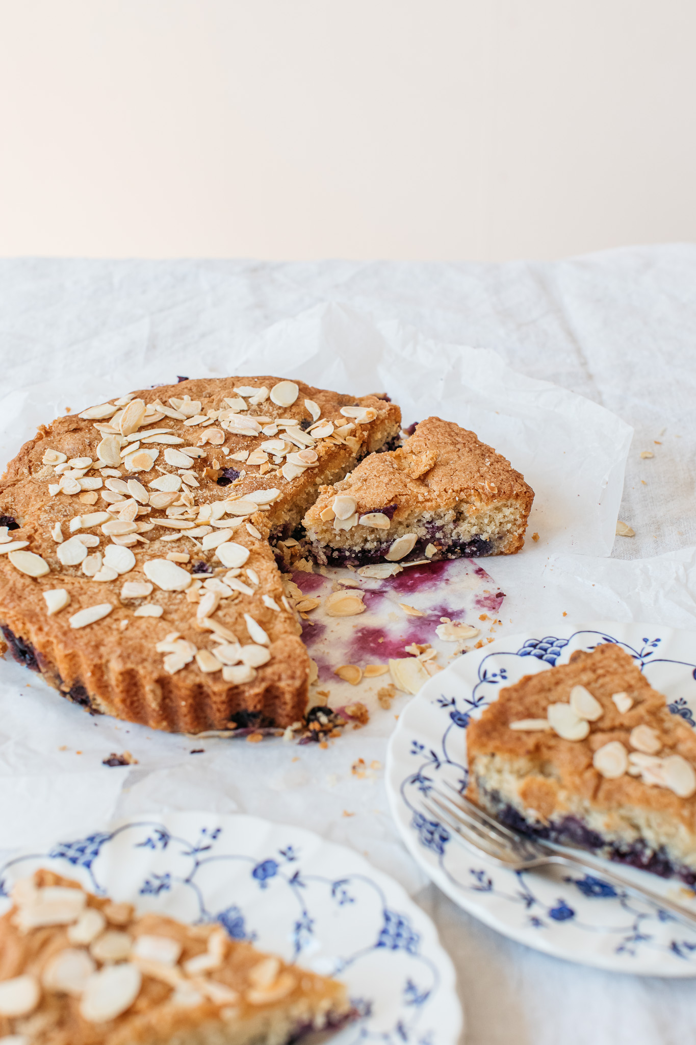 Low FODMAP blueberry and almond cake