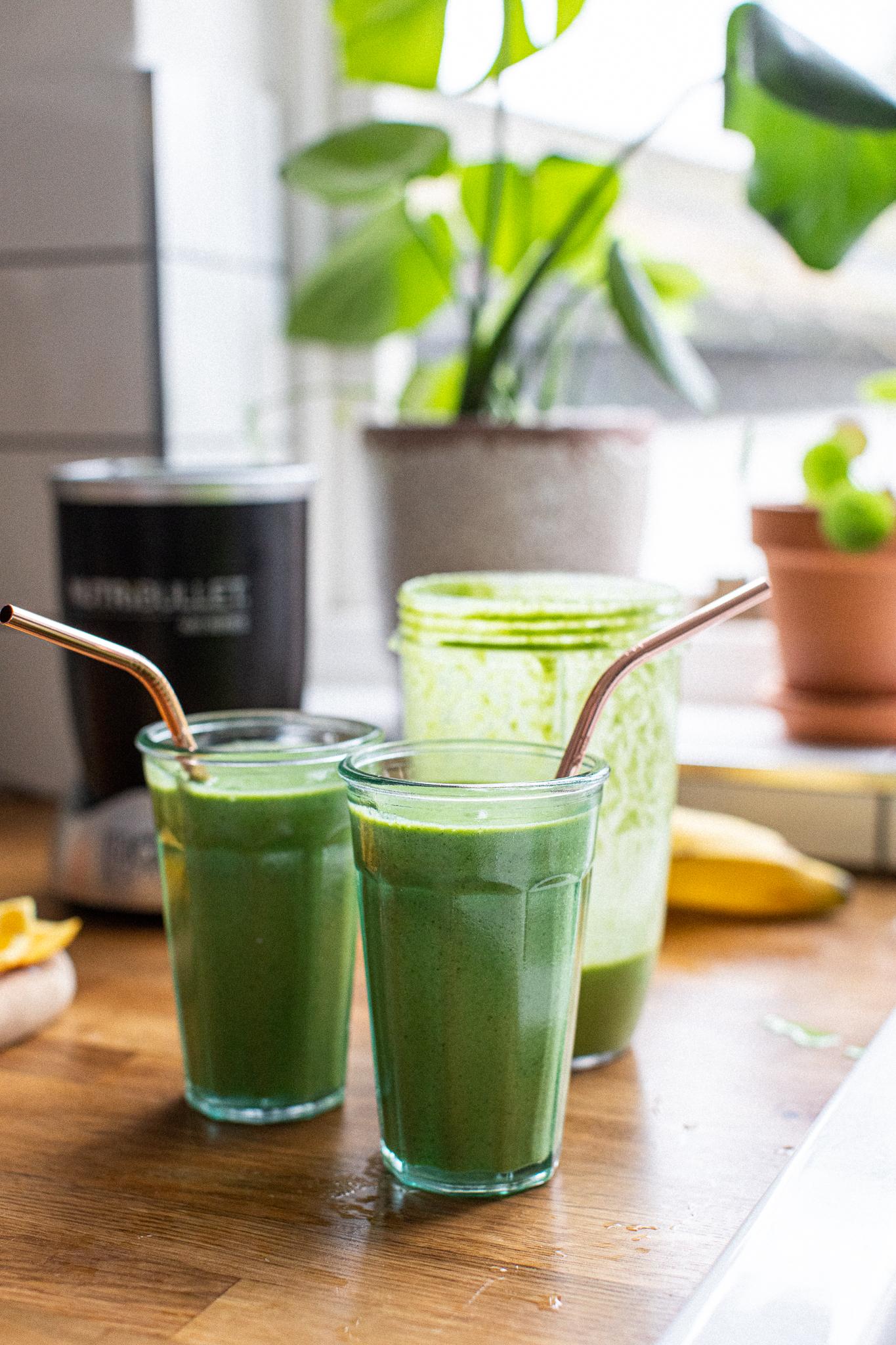 Low FODMAP green banana smoothie