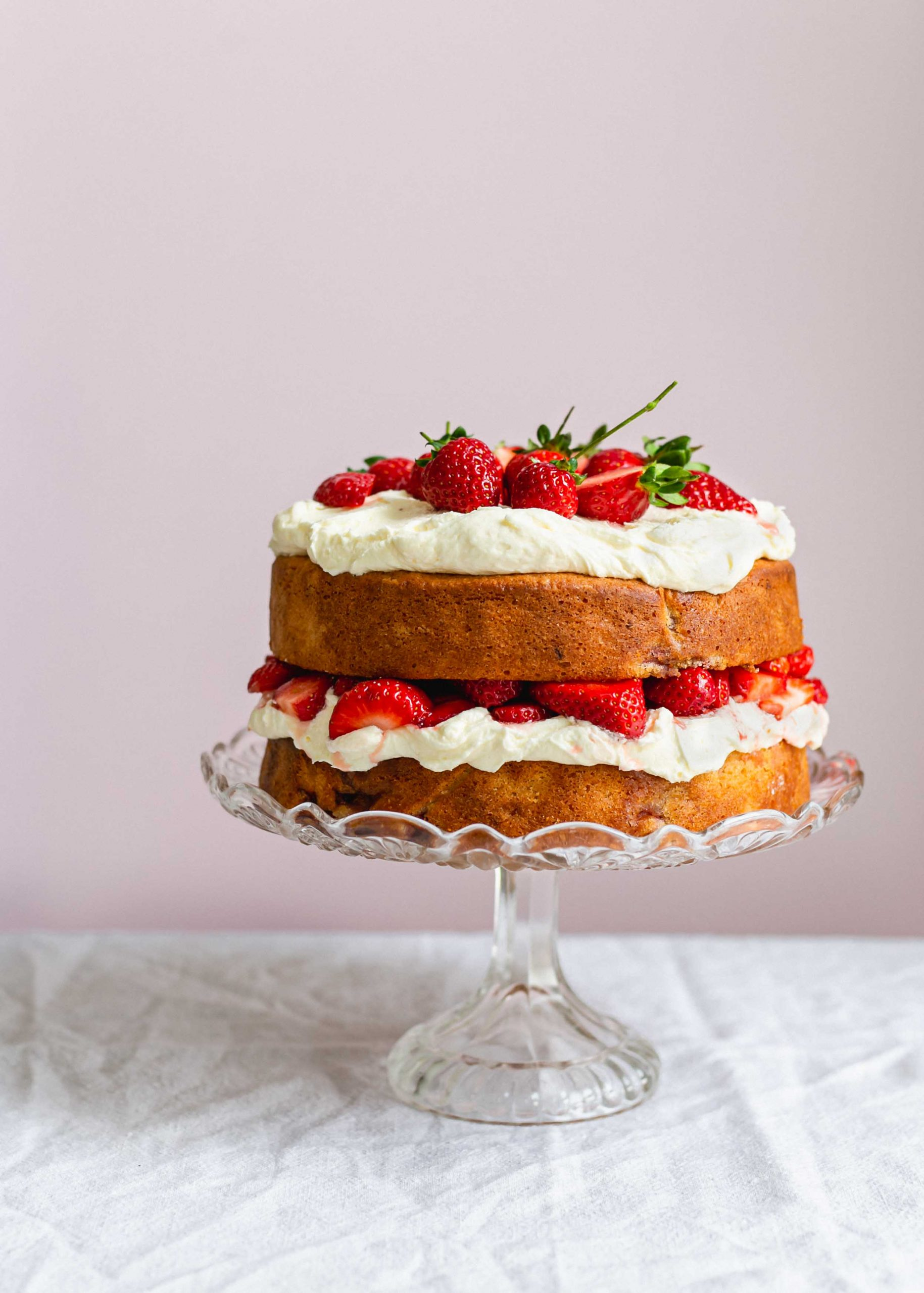 Low FODMAP and gluten free strawberry sour cream cake closer up
