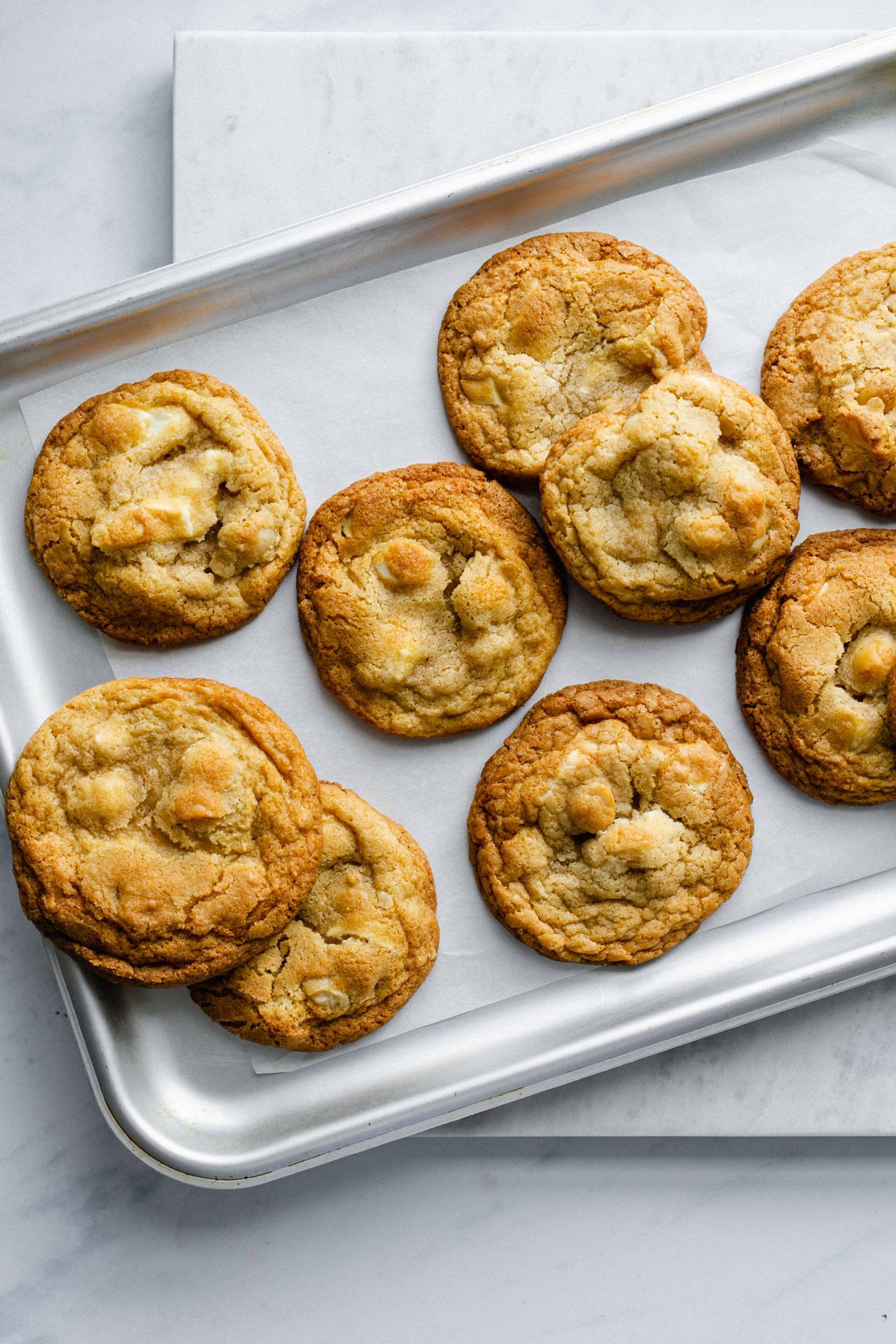 Low FODMAP white chocolate and macadamia nut cookies